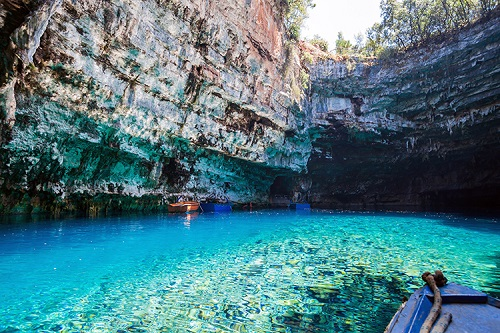 Melissani_lake_on_Kefalonia