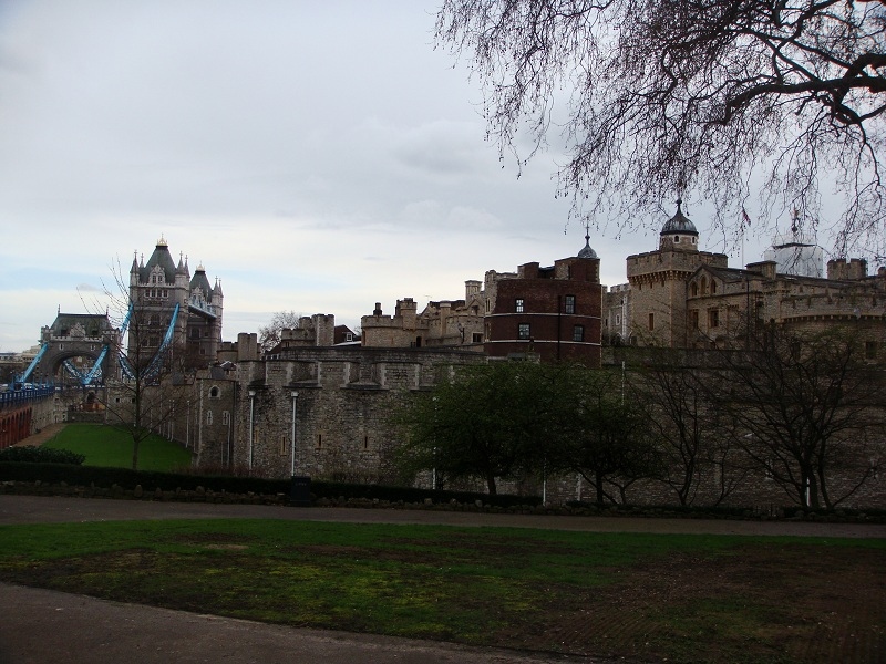 Tower of London a Tower Bridge